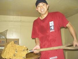 鹿児島醤油味噌の醸造蔵吉永醸造店の吉永です